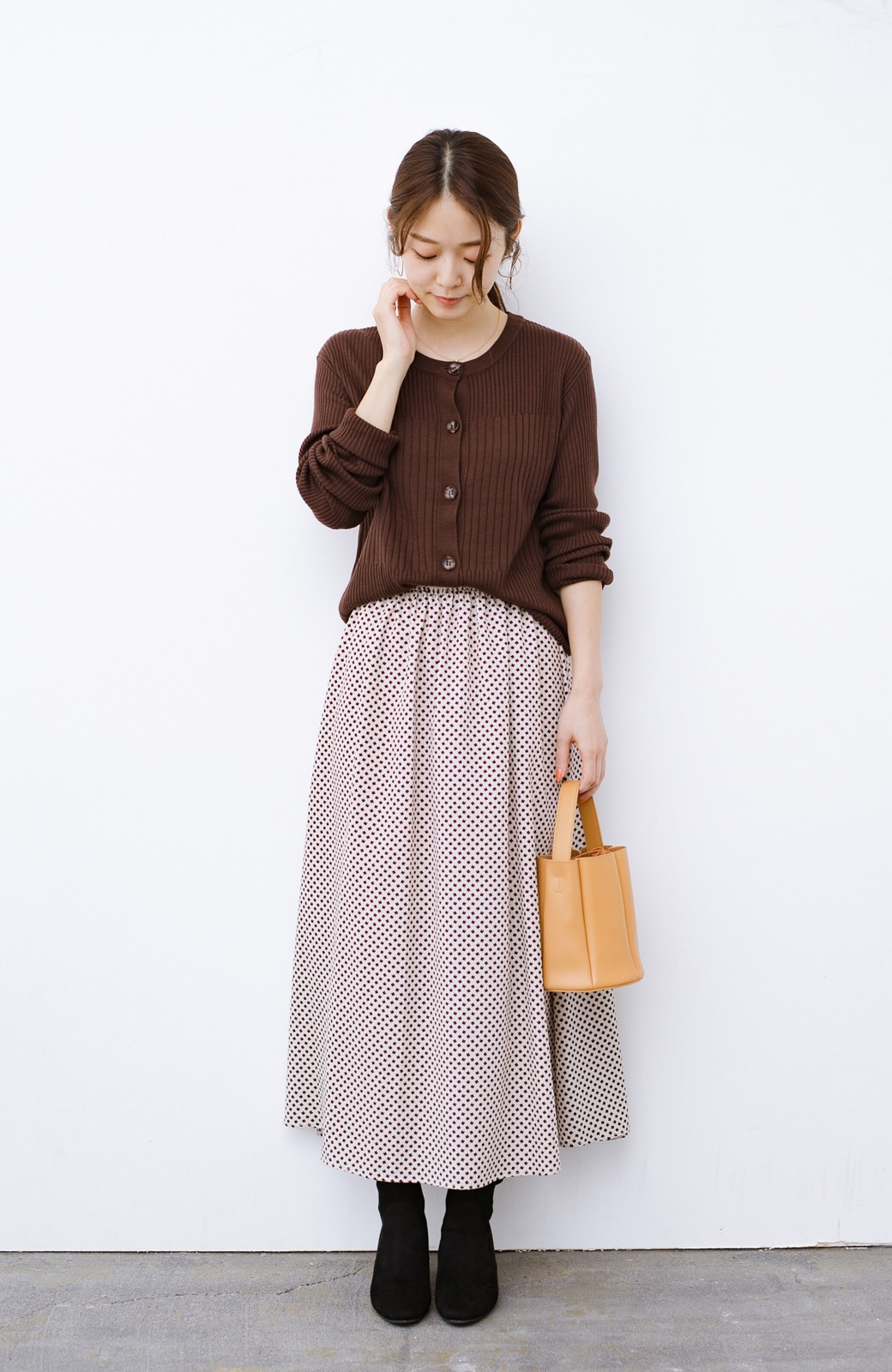 haco! デニムにもスカートにも似合う!すぽっと履けてスタイルアップが叶う女っぽフェイクスエードブーツ <ブラック>の商品写真15