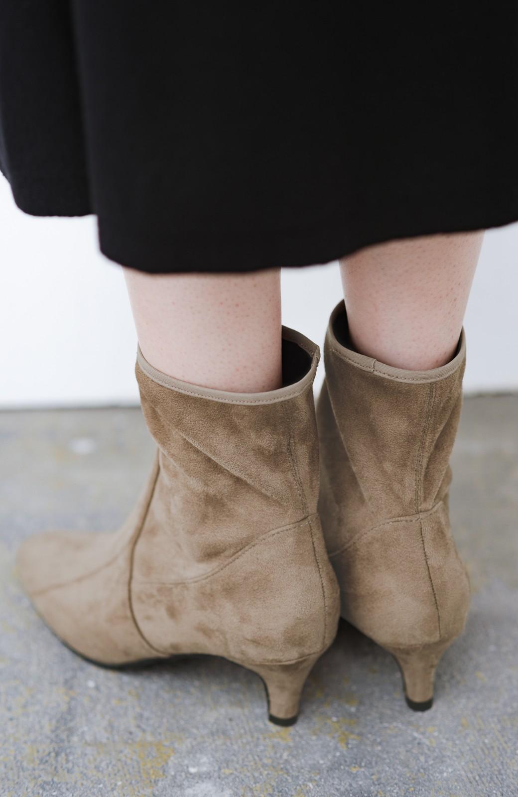 haco! デニムにもスカートにも似合う!すぽっと履けてスタイルアップが叶う女っぽフェイクスエードブーツ <ブラウン>の商品写真8