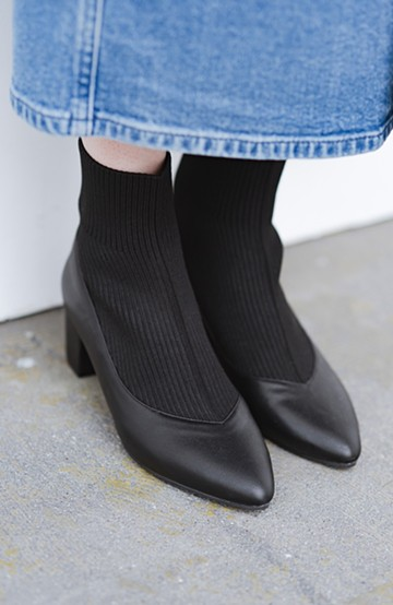 haco! 足もと黄金比が即完成!靴下と重ね着したみたいな好バランスリブニットブーツ <ブラック>の商品写真