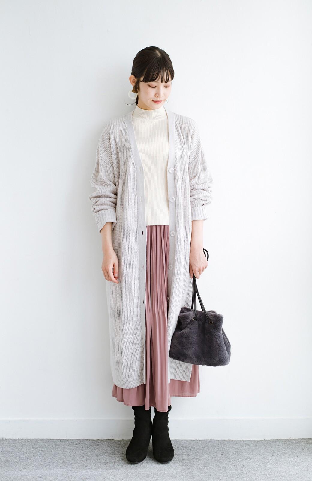 haco! さっと持って気分が上がる ふわっとかわいいエコファー巾着バッグ <チャコールグレー>の商品写真8