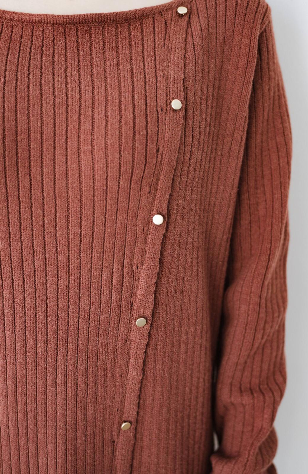 haco! 楽ちんにおめかし気分!重ね着にも便利なボタンがかわいいリブニットワンピース <ライトブラウン>の商品写真16