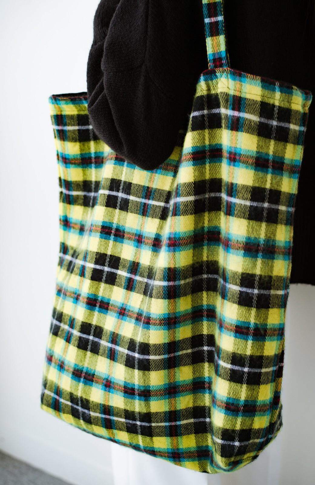 haco! hint hint リバーシブルで使える 古着みたいなこなれ感のビッグサイズバッグ <イエロー>の商品写真4