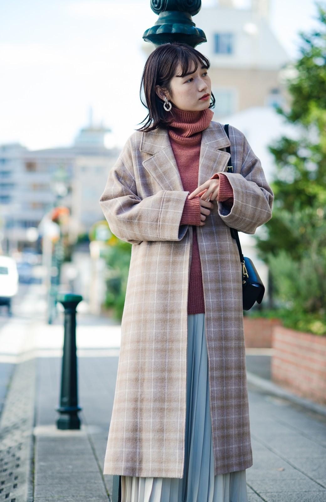 haco! パッと羽織るだけで様になる!カジュアルにも大人っぽくも着られる便利なチェックコート <ベージュ系その他>の商品写真1