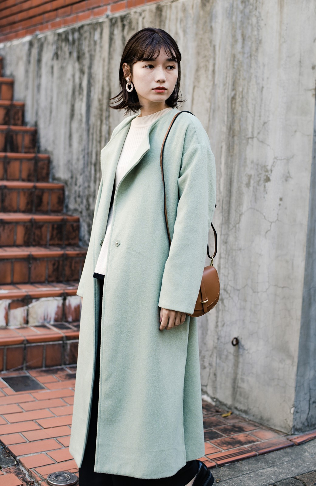 haco! 冬の地味コーデ脱出! さっと羽織って女っぽいきれい色ガウンコート <ミント>の商品写真3
