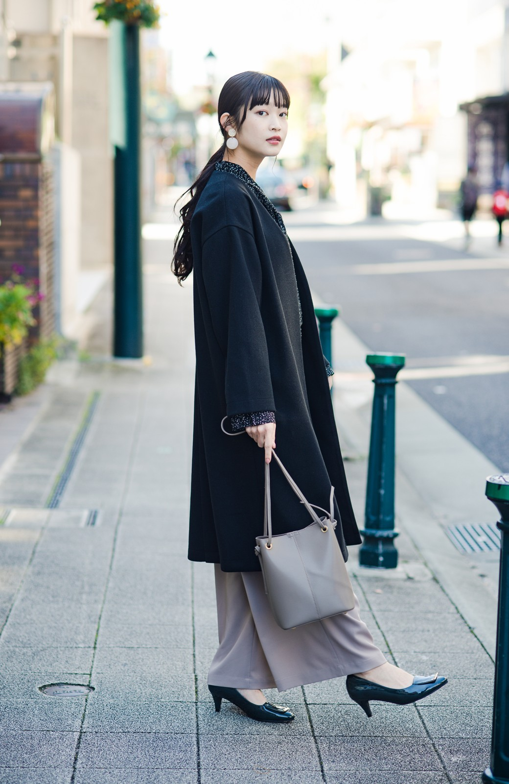 haco! 気軽に羽織れて女っぽくもかっこよくも決まる!便利なノーカラーコート <ブラック>の商品写真23