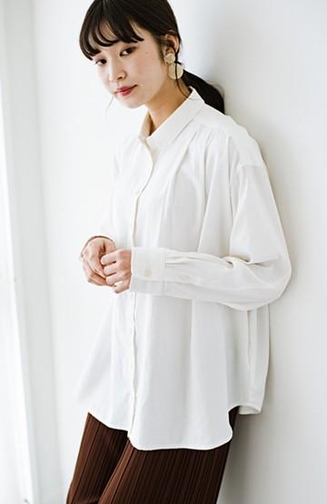 haco! ニットとのこなれた重ね着が簡単にできる!なめらか素材でつくった大人のためのシンプルシャツ <ホワイト>の商品写真