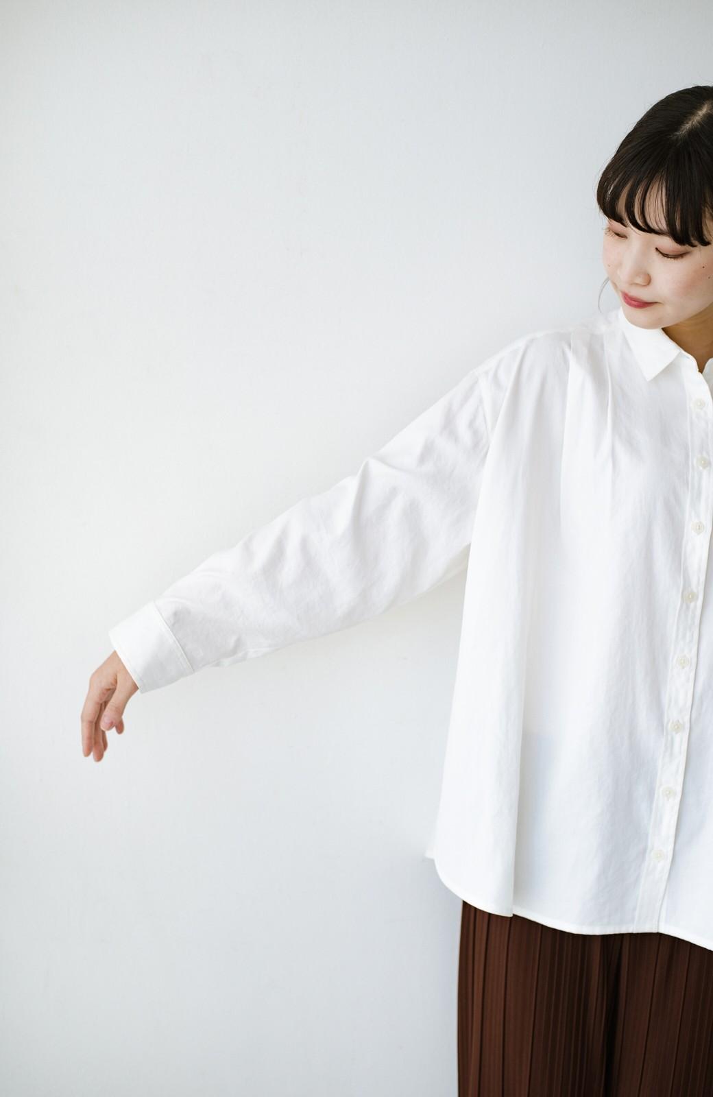 haco! ニットとのこなれた重ね着が簡単にできる!なめらか素材でつくった大人のためのシンプルシャツ <ホワイト>の商品写真19