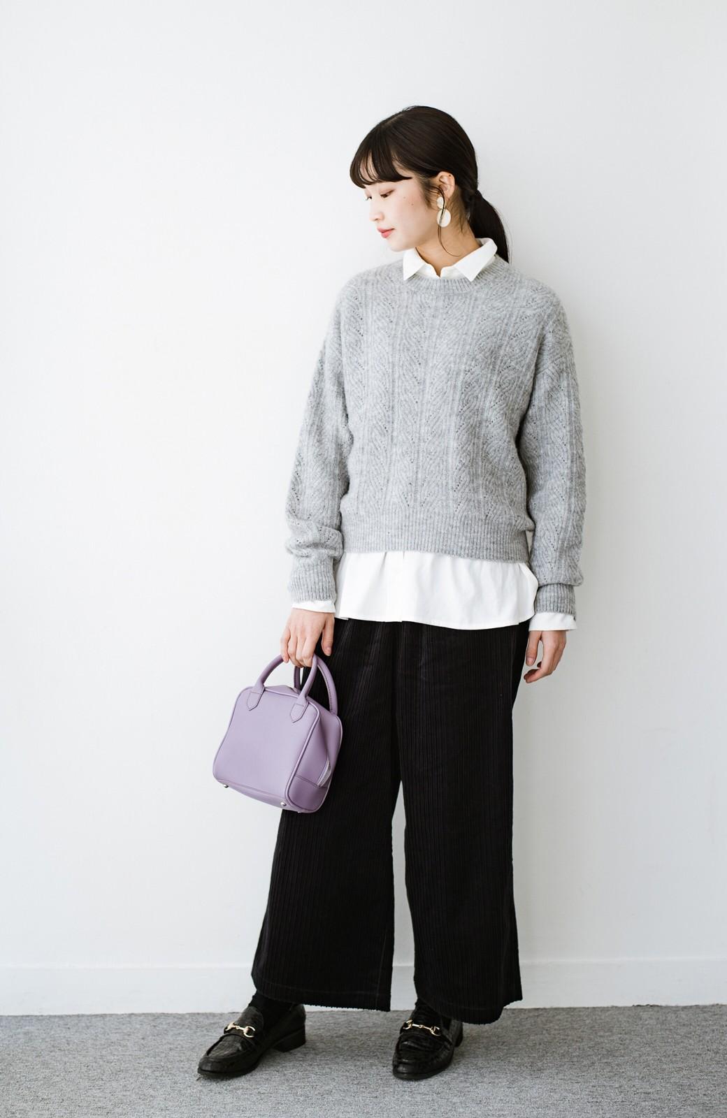 haco! ニットとのこなれた重ね着が簡単にできる!なめらか素材でつくった大人のためのシンプルシャツ <ホワイト>の商品写真2