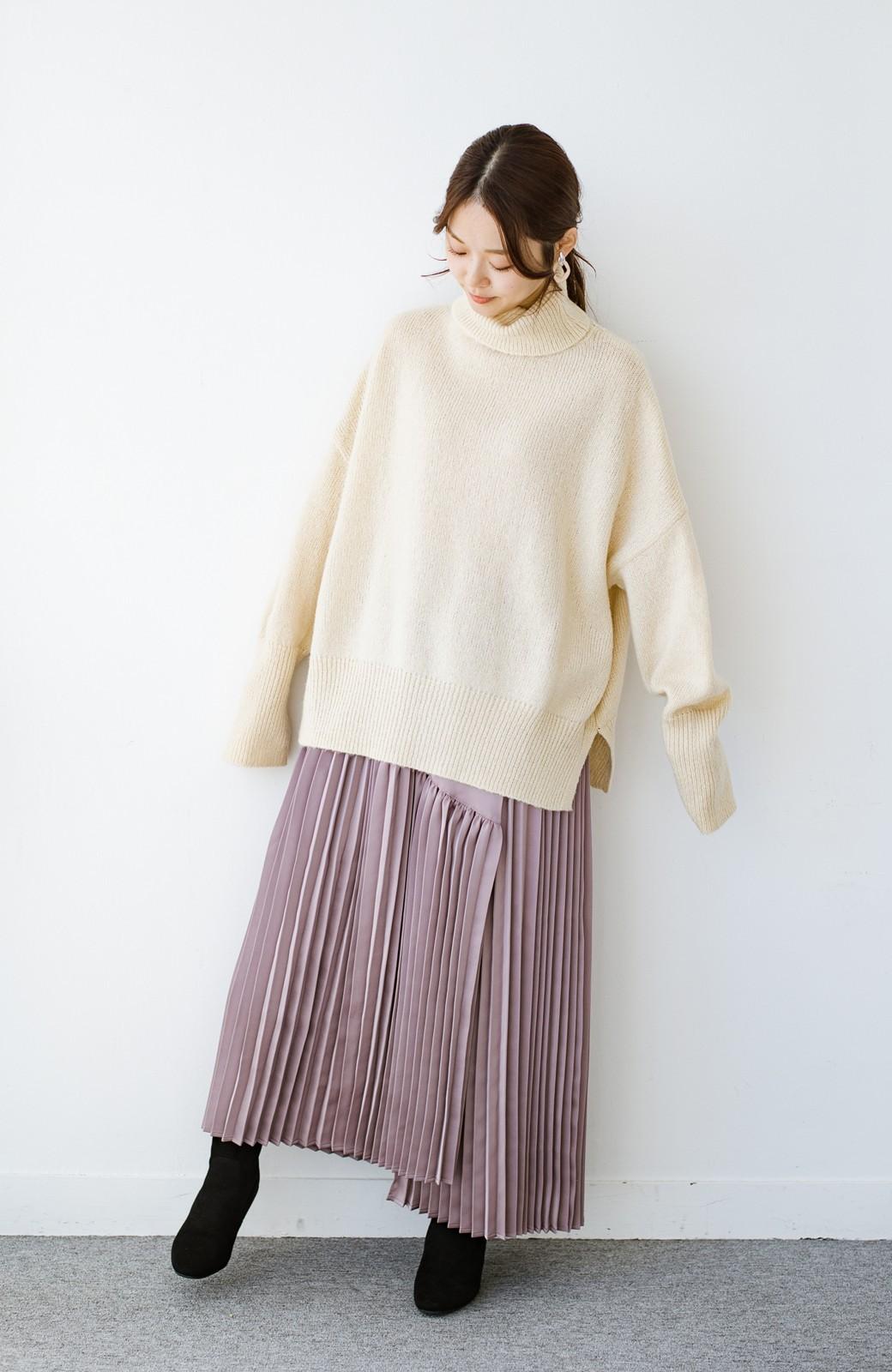 haco! 【スザンヌさんコラボ】スウェットもTシャツも着映えさせる!ラップデザイン風アシンメトリーサテンプリーツスカート by LOVE&PEACE PROJECT <スモークピンク>の商品写真18