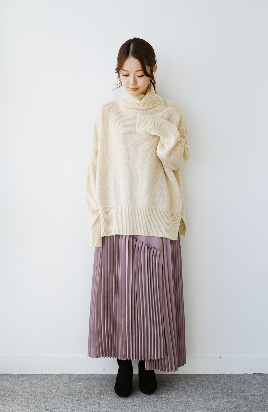 haco! 【スザンヌさんコラボ】スウェットもTシャツも着映えさせる!ラップデザイン風アシンメトリーサテンプリーツスカート by LOVE&PEACE PROJECT <スモークピンク>の商品写真19