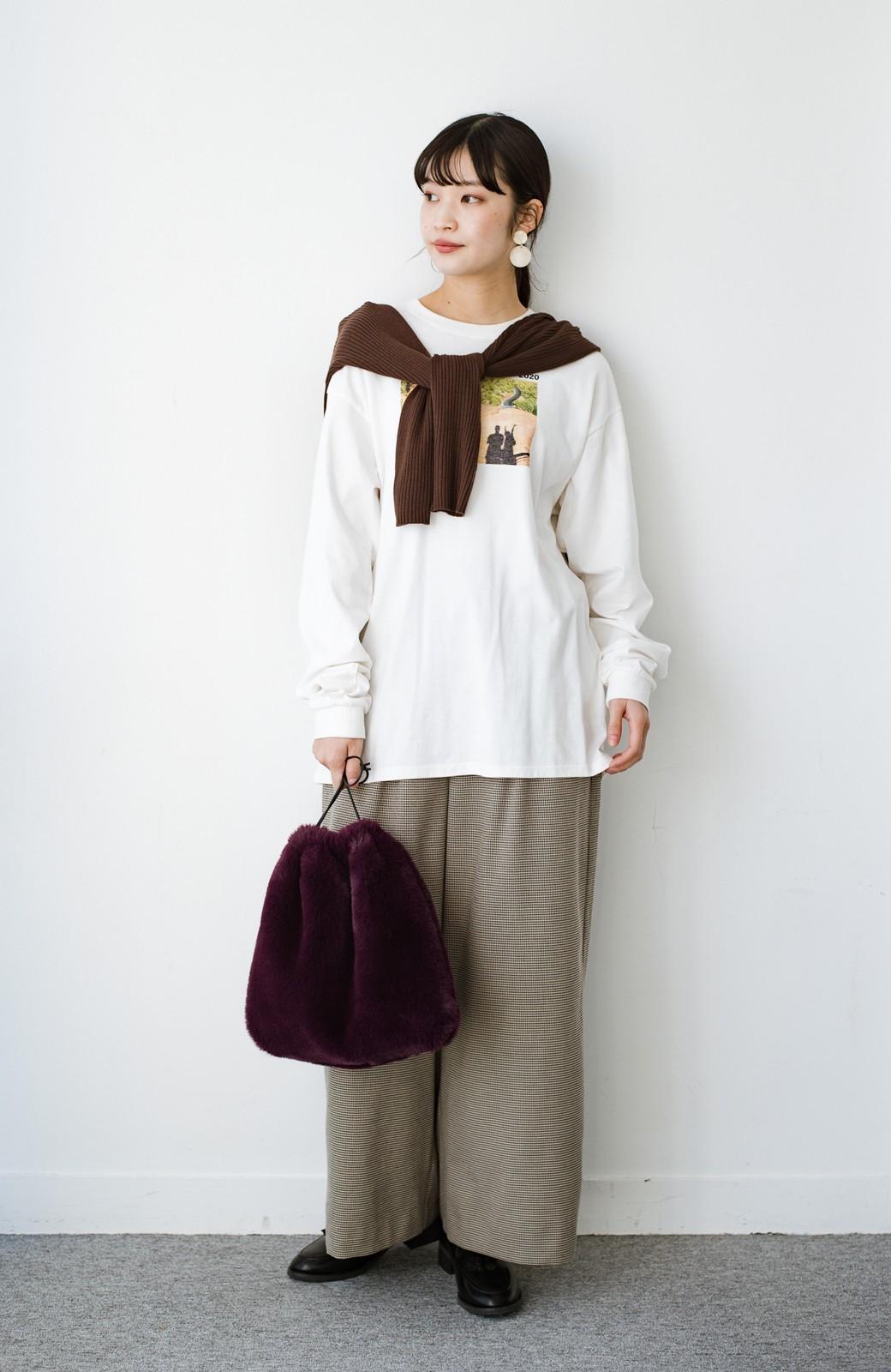 haco! 【高橋愛さんコラボ】フォトプリントのユニセックスロングTシャツ by LOVE&PEACE PROJECT + PBP  <ホワイト>の商品写真24