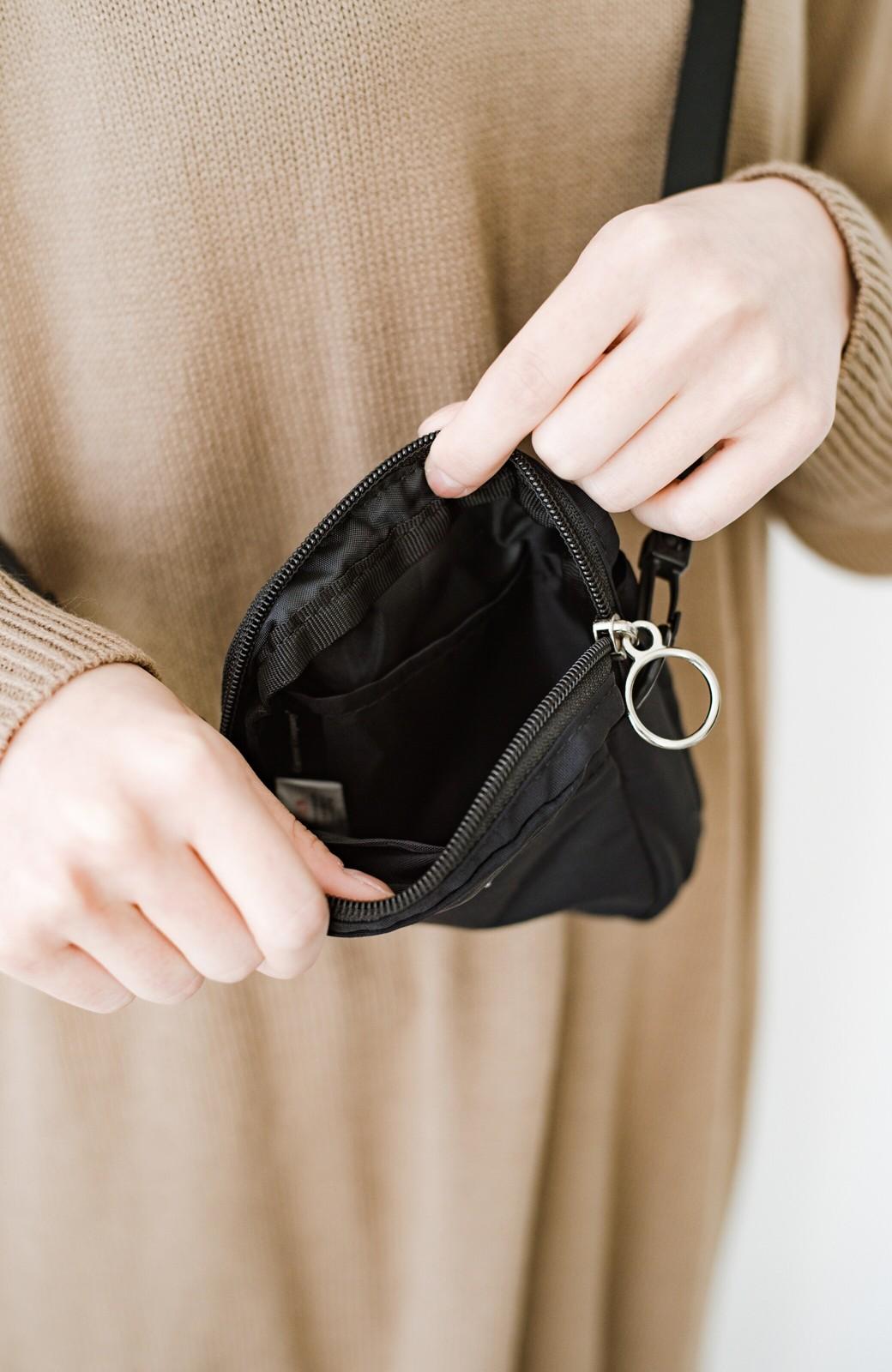 haco! anello® ワンマイルのお買い物もこれさえあれば!エコバッグ付きミニショルダー <ブラック>の商品写真4