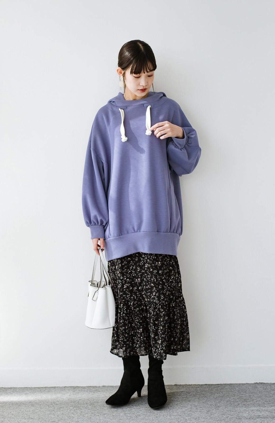 haco! 【スザンヌさんコラボ】オーバーサイズが華奢見せさせる 大人女子のためのスウェット風ビッグパーカー by LOVE&PEACE PROJECT <ラベンダー>の商品写真15