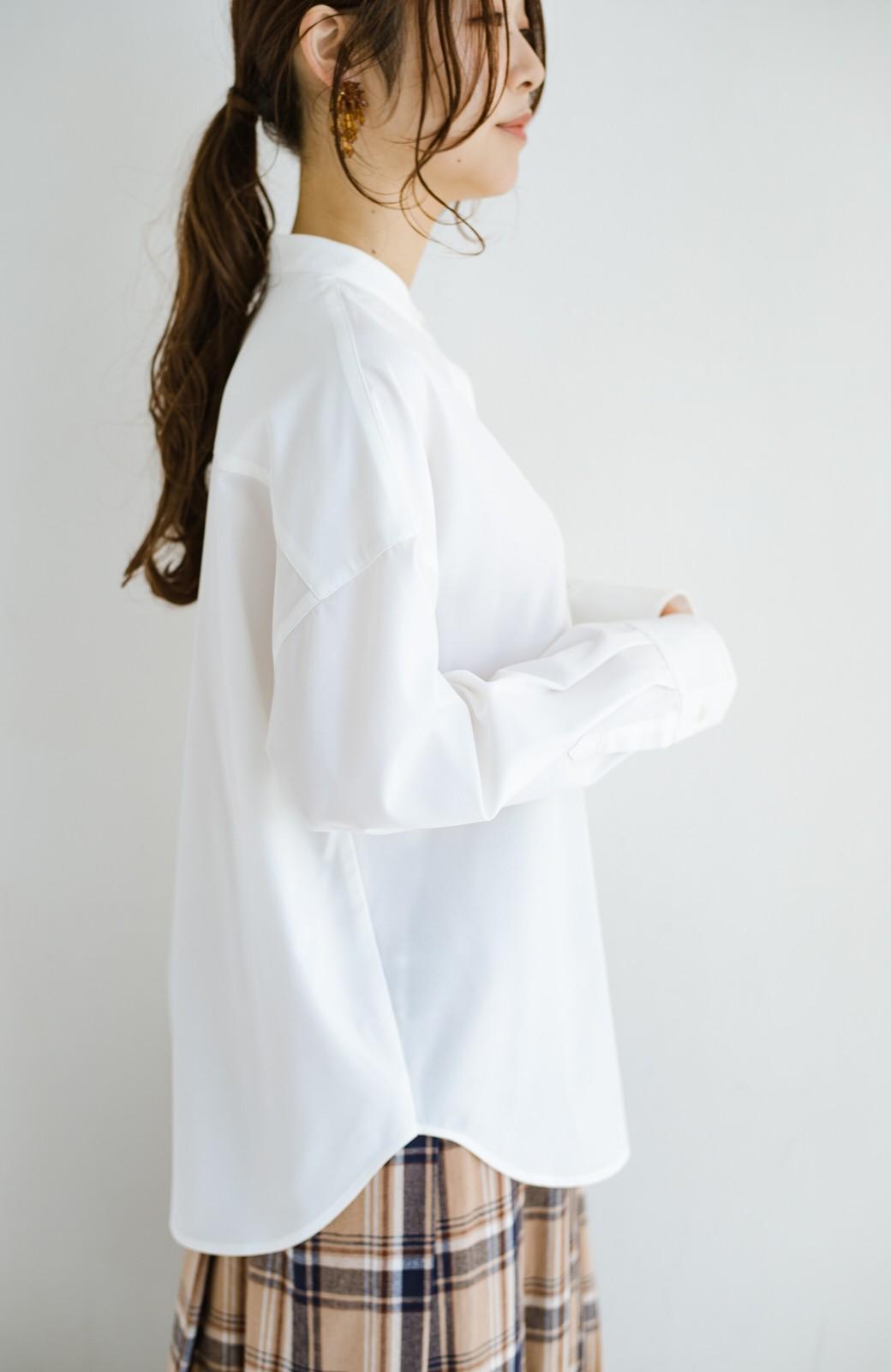 haco! 【肩幅党】肩幅広めがなんのその!華奢見せをとことん追求した重ね着にも便利なスタンドカラーシャツ <ホワイト>の商品写真8