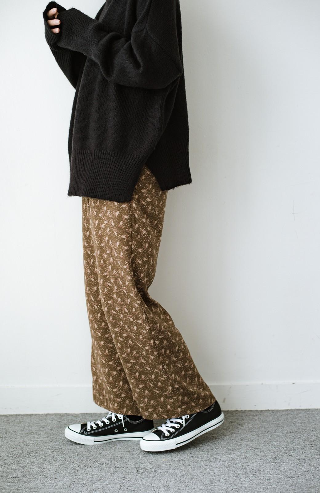 haco! 1枚でも重ね着でもパッと着映えする すっきりシルエットの大人の柄パンツ <ブラウン>の商品写真12
