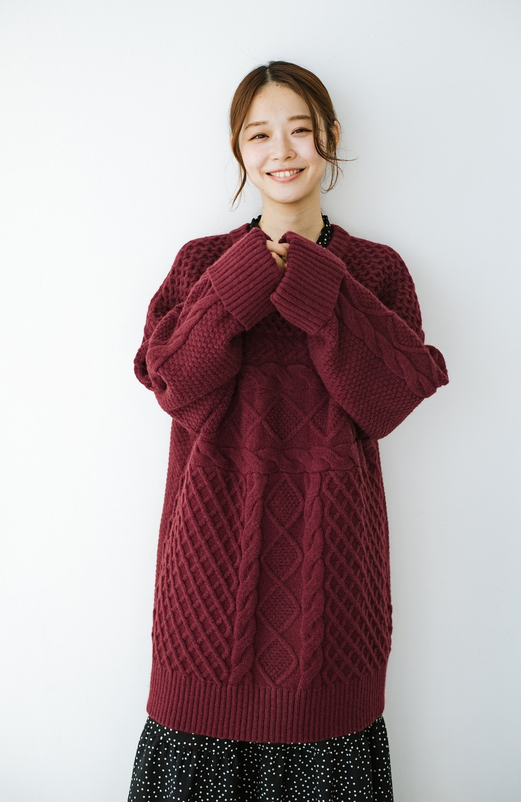 haco! コーデの主役になる編み地にきゅん ゆるりと全部隠して可愛いビッグシルエットニット <ボルドー>の商品写真15