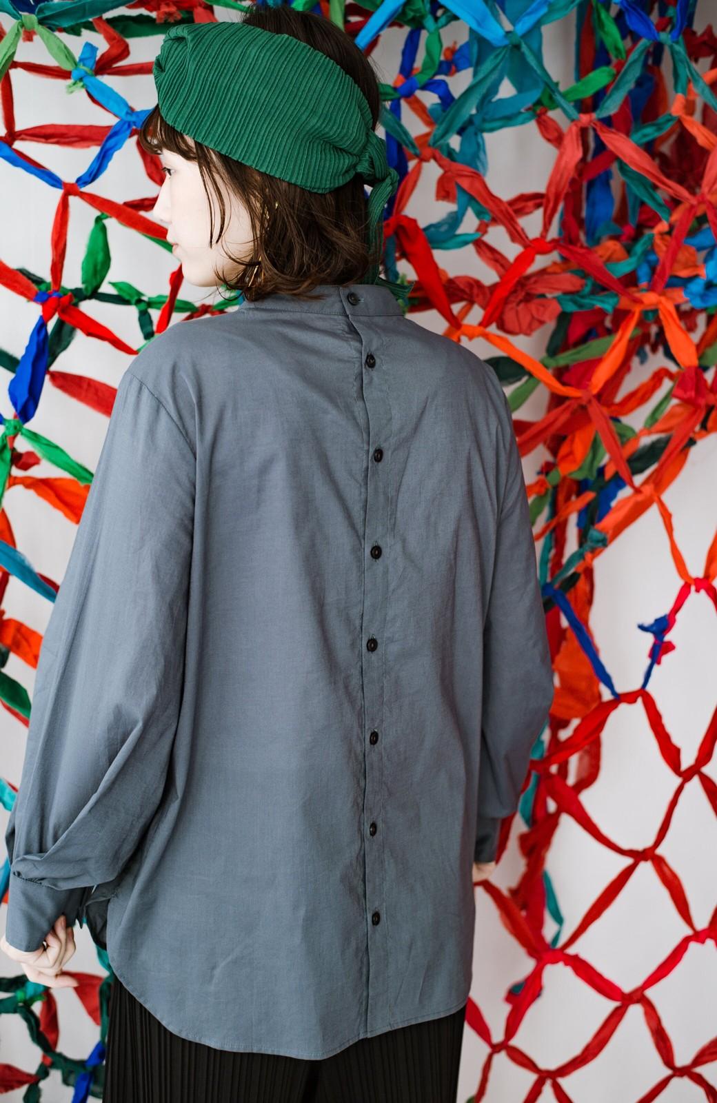 haco! 上品な刺繍がまるでレースのよう オーガニックコットンの袖ぽんわりブラウス from Stitch by Stitch <グレイッシュブルー>の商品写真10