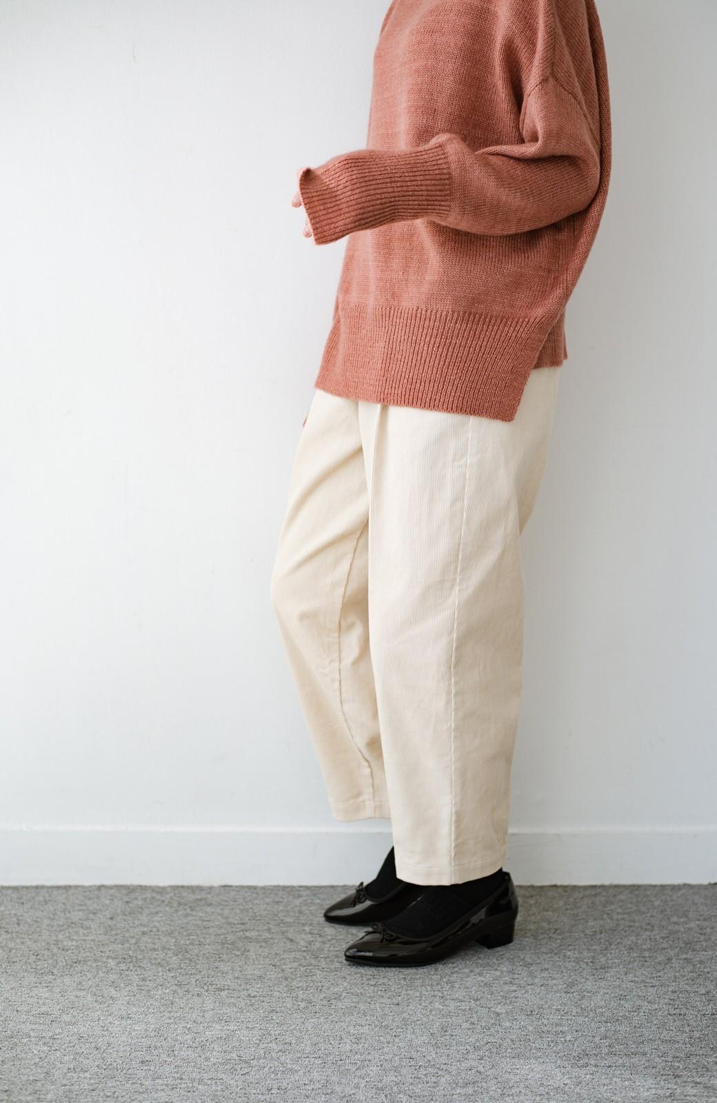 haco! カンタン今っぽで着まわし力ばっちり!大人もはきやすいゆったりコーデュロイパンツ <アイボリー>の商品写真12