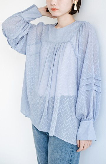 haco! 気になるところは可愛げで隠そう!ほどよい透け感で普段に着やすいドビードットの女っぽブラウス<ライトブルー>の商品写真