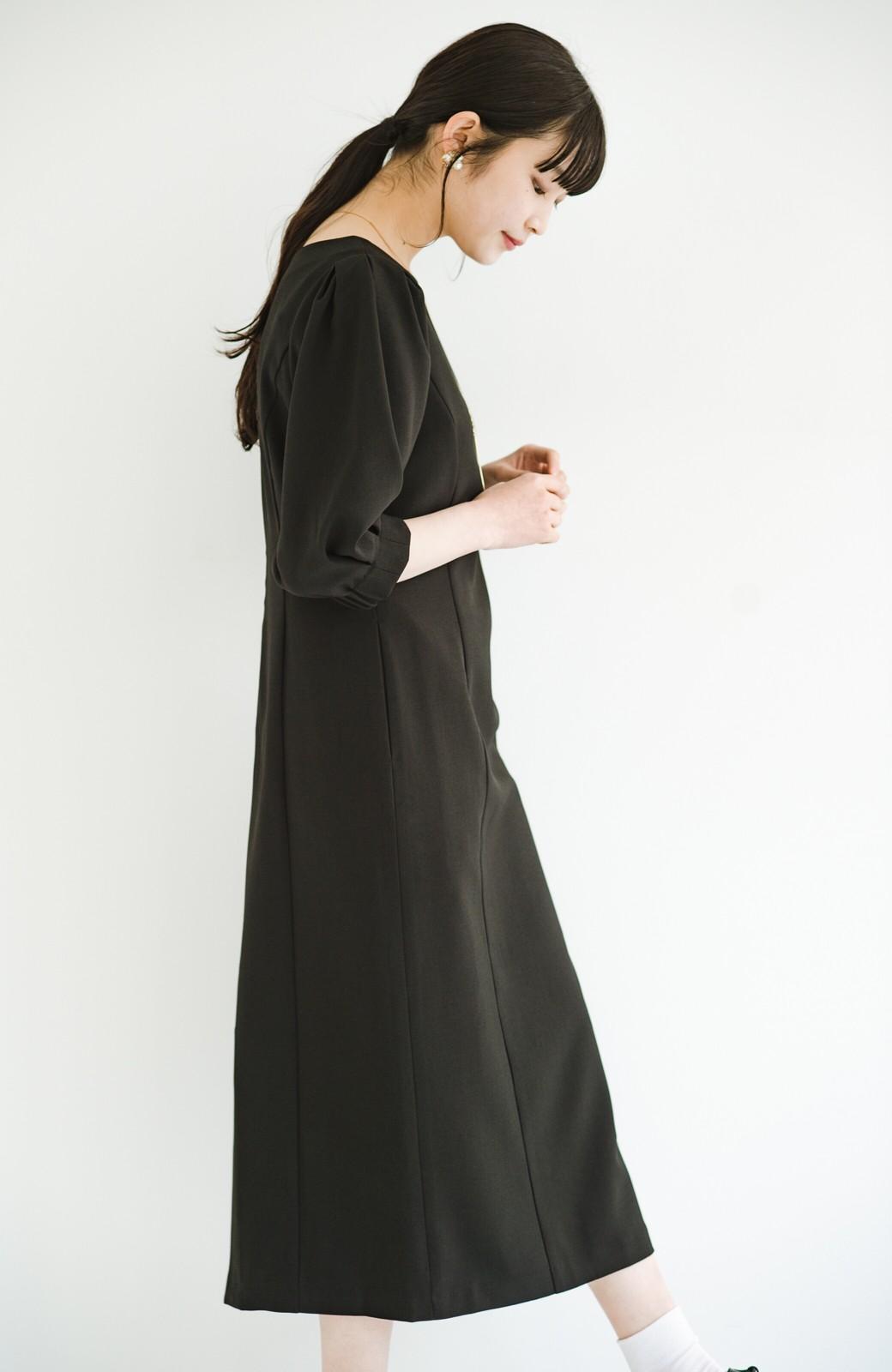 haco! きちんとシーンもオシャレでいたい大人のためのボリューム袖がかわいい麻調素材のワンピース by que made me <ブラック>の商品写真17