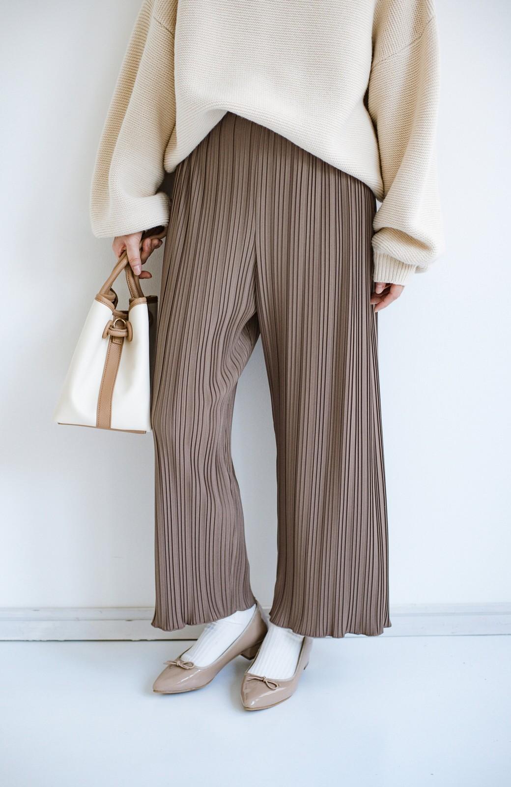 haco! パンツ派さんのデートにもカジュアル派さんの重ね着にも便利なプリーツパンツ <チョコ>の商品写真7