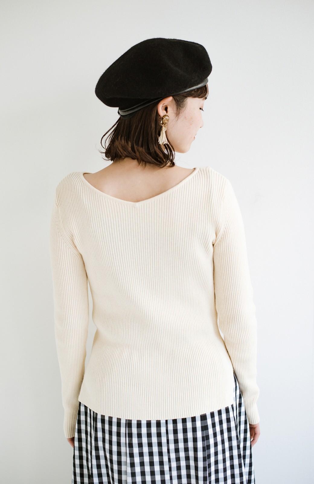haco! Tシャツの代わりにこれ着とこう!後ろ前着られるシルク混リブニット by que made me <アイボリー>の商品写真10
