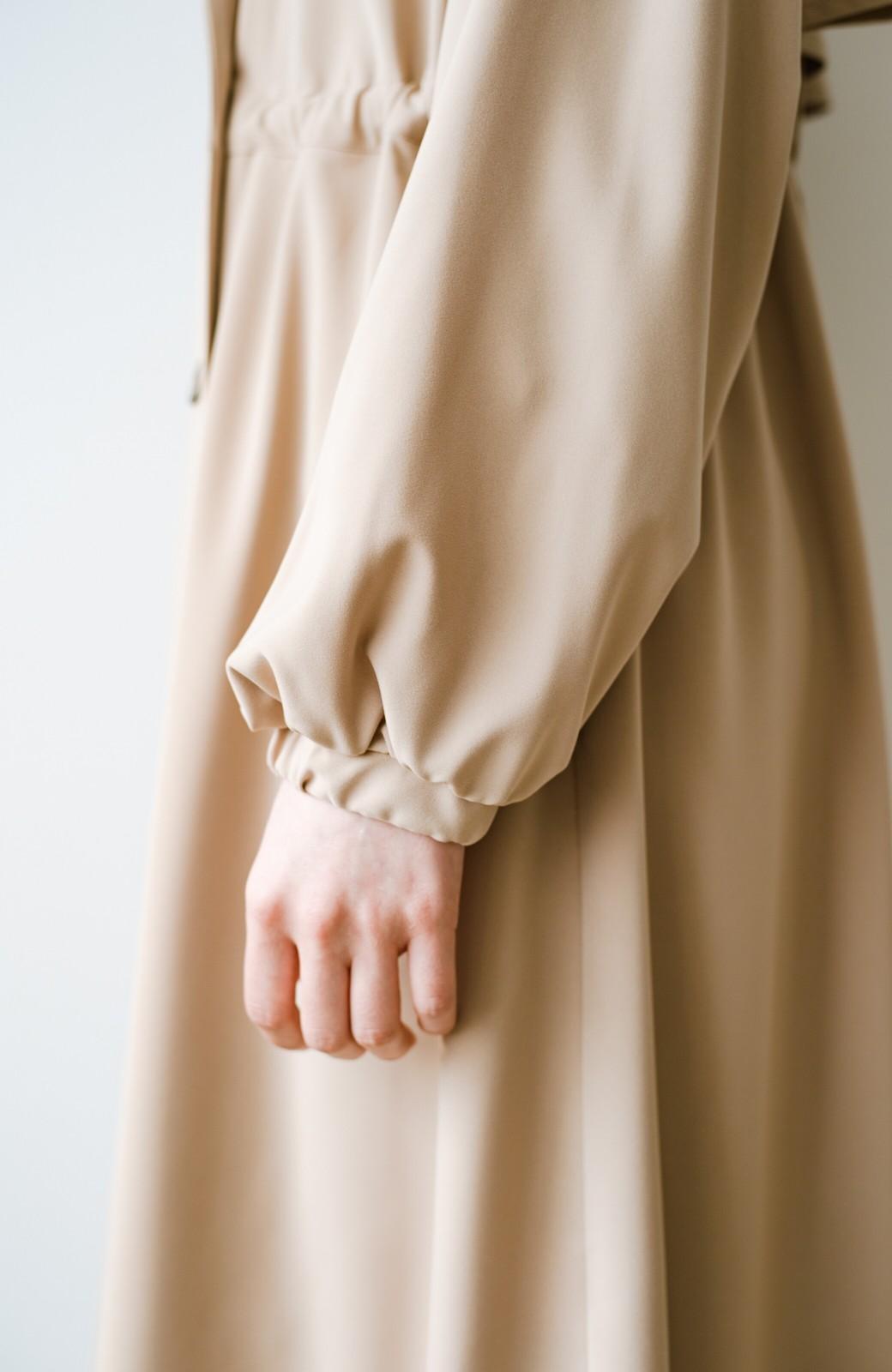 haco! さっと羽織って女っぽさプラス!気分もルンとするやわらか素材のロングコート <ベージュ>の商品写真15