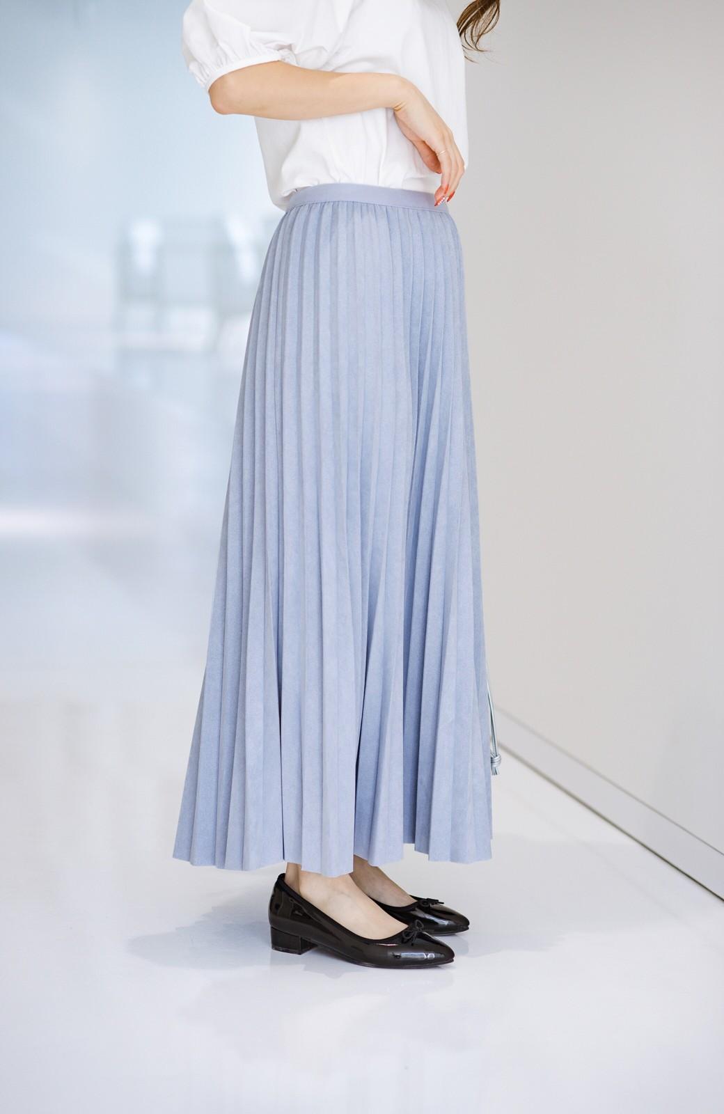 haco! たちまち旬顔!ニットにもスウェットにも似合うフェイクスエードのプリーツスカート by Nohea <ライトブルー>の商品写真2