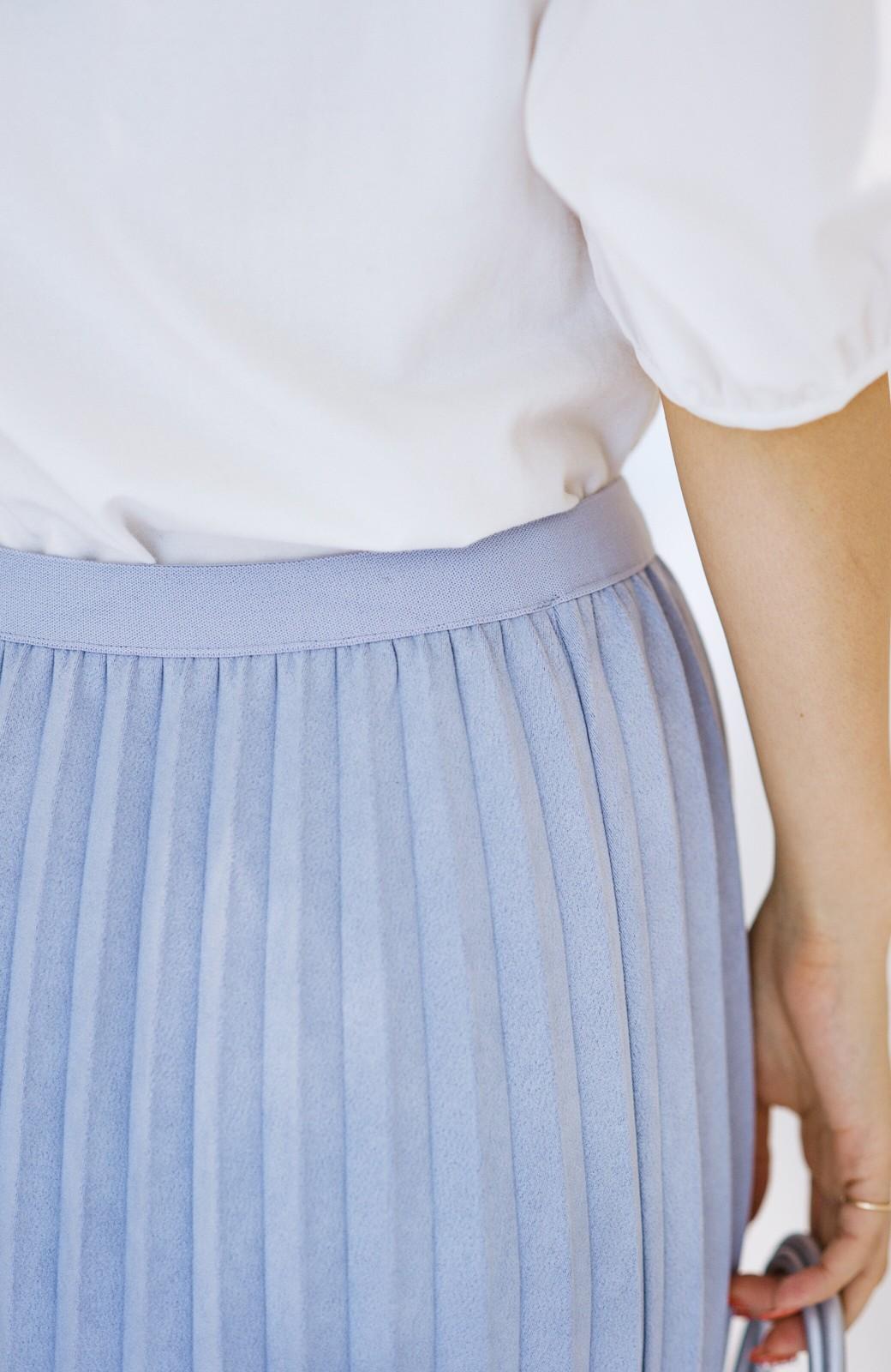 haco! たちまち旬顔!ニットにもスウェットにも似合うフェイクスエードのプリーツスカート by Nohea <ライトブルー>の商品写真4
