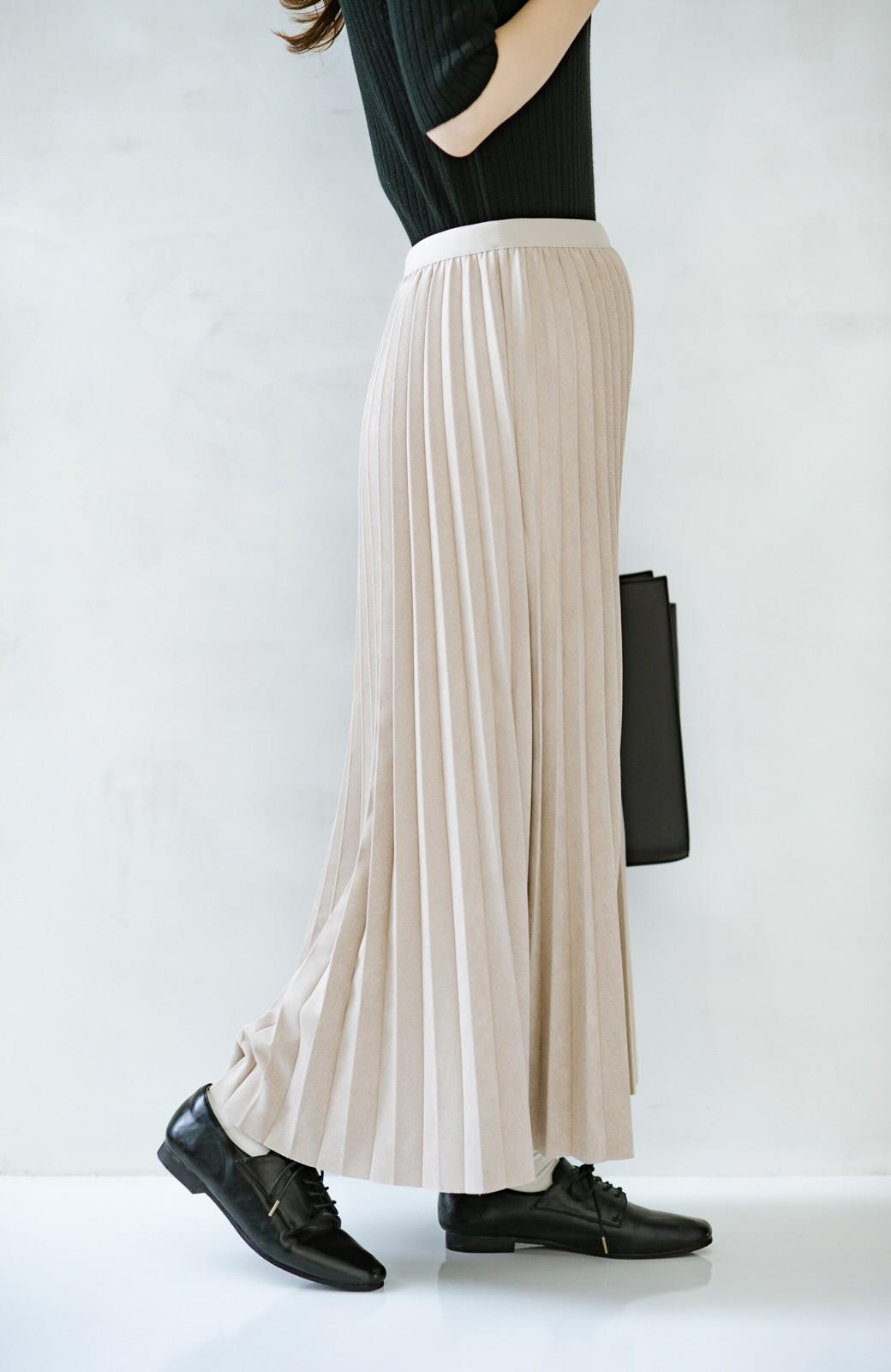 haco! たちまち旬顔!ニットにもスウェットにも似合うフェイクスエードのプリーツスカート by Nohea <ライトベージュ>の商品写真4