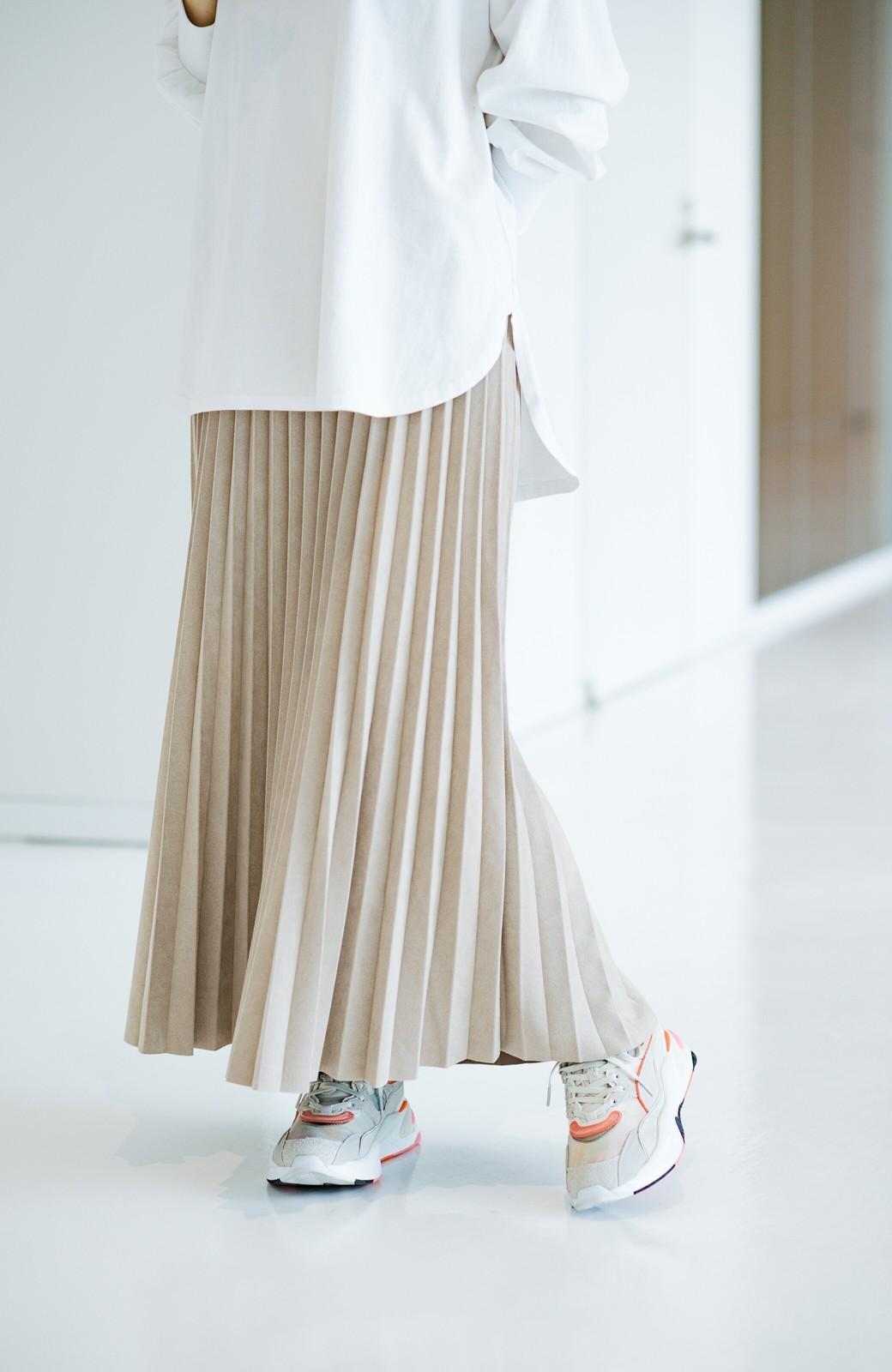 haco! たちまち旬顔!ニットにもスウェットにも似合うフェイクスエードのプリーツスカート by Nohea <ライトベージュ>の商品写真6