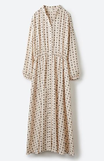 haco! コーデが華やいで気分も上がる 羽織りとしても便利な大人の雰囲気漂う小紋柄風ワンピース <ベージュ>の商品写真