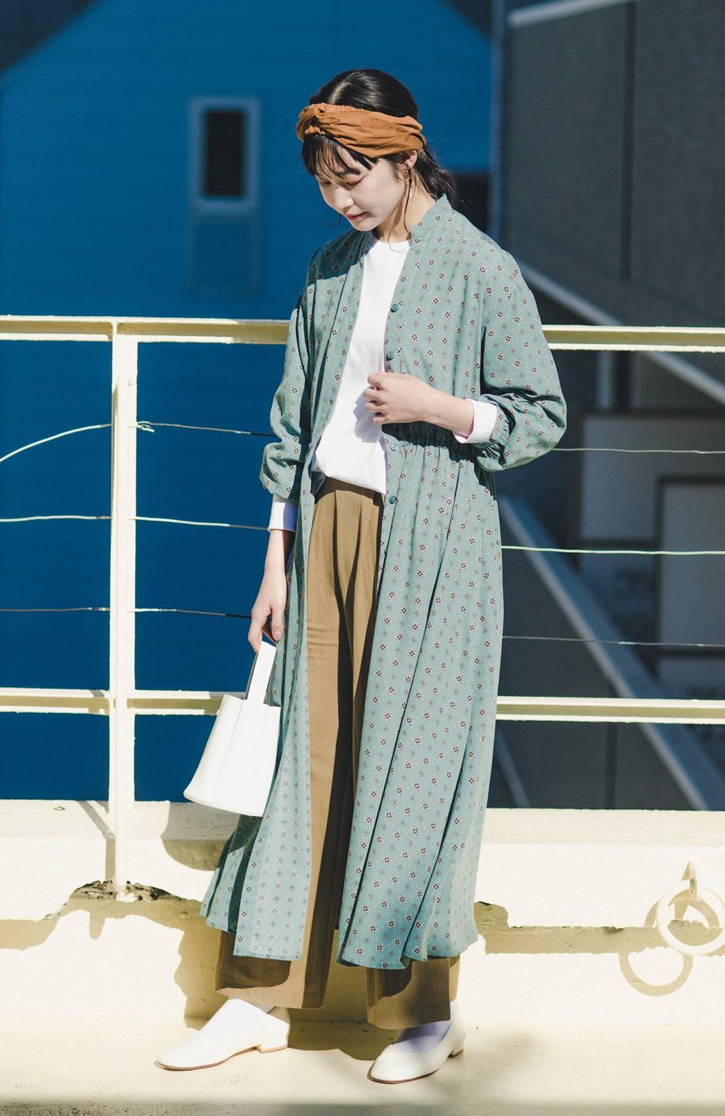 haco! コーデが華やいで気分も上がる 羽織りとしても便利な大人の雰囲気漂う小紋柄風ワンピース <ブルー>の商品写真2