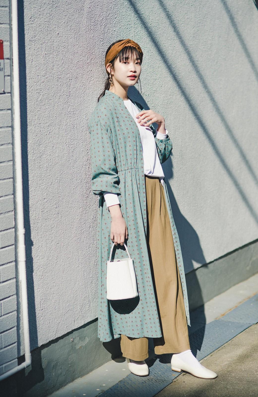 haco! コーデが華やいで気分も上がる 羽織りとしても便利な大人の雰囲気漂う小紋柄風ワンピース <ブルー>の商品写真11
