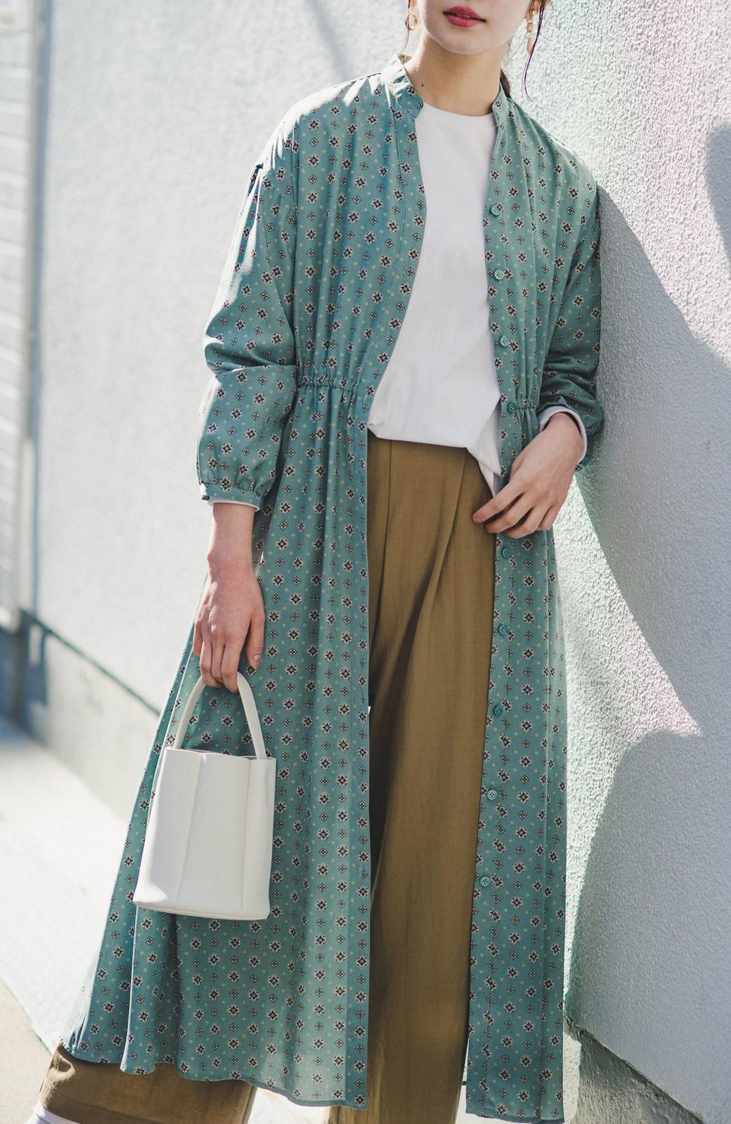 haco! コーデが華やいで気分も上がる 羽織りとしても便利な大人の雰囲気漂う小紋柄風ワンピース <ブルー>の商品写真9