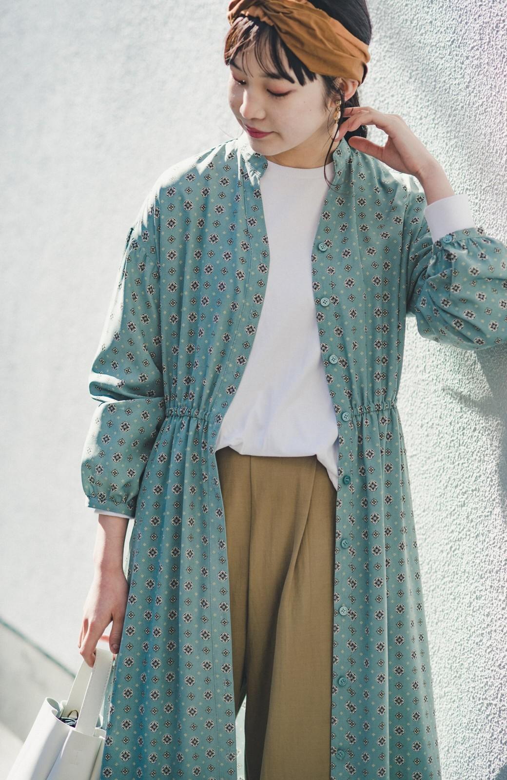 haco! コーデが華やいで気分も上がる 羽織りとしても便利な大人の雰囲気漂う小紋柄風ワンピース <ブルー>の商品写真12