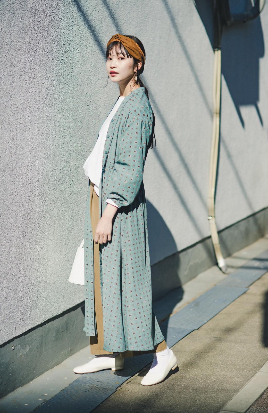 haco! コーデが華やいで気分も上がる 羽織りとしても便利な大人の雰囲気漂う小紋柄風ワンピース <ブルー>の商品写真13