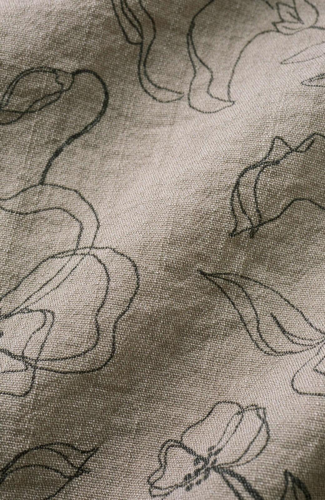 haco! 総柄だけど大人っぽい!シンプルトップスに合わせて華やぐ オリジナルプリントの花柄キャミワンピース <グレイッシュベージュ>の商品写真4
