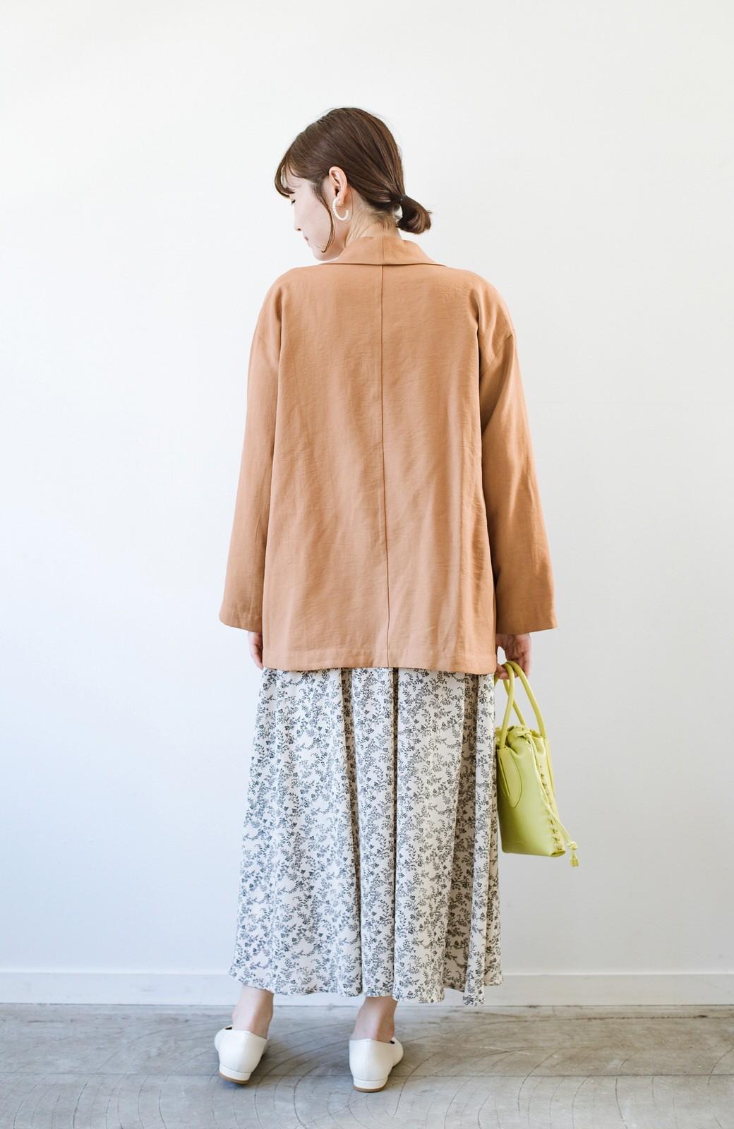 haco! さらりと羽織ってきれい見え カジュアルにも着られてほどよいきちんと感が頼りになるリラックスジャケット <キャメル>の商品写真15
