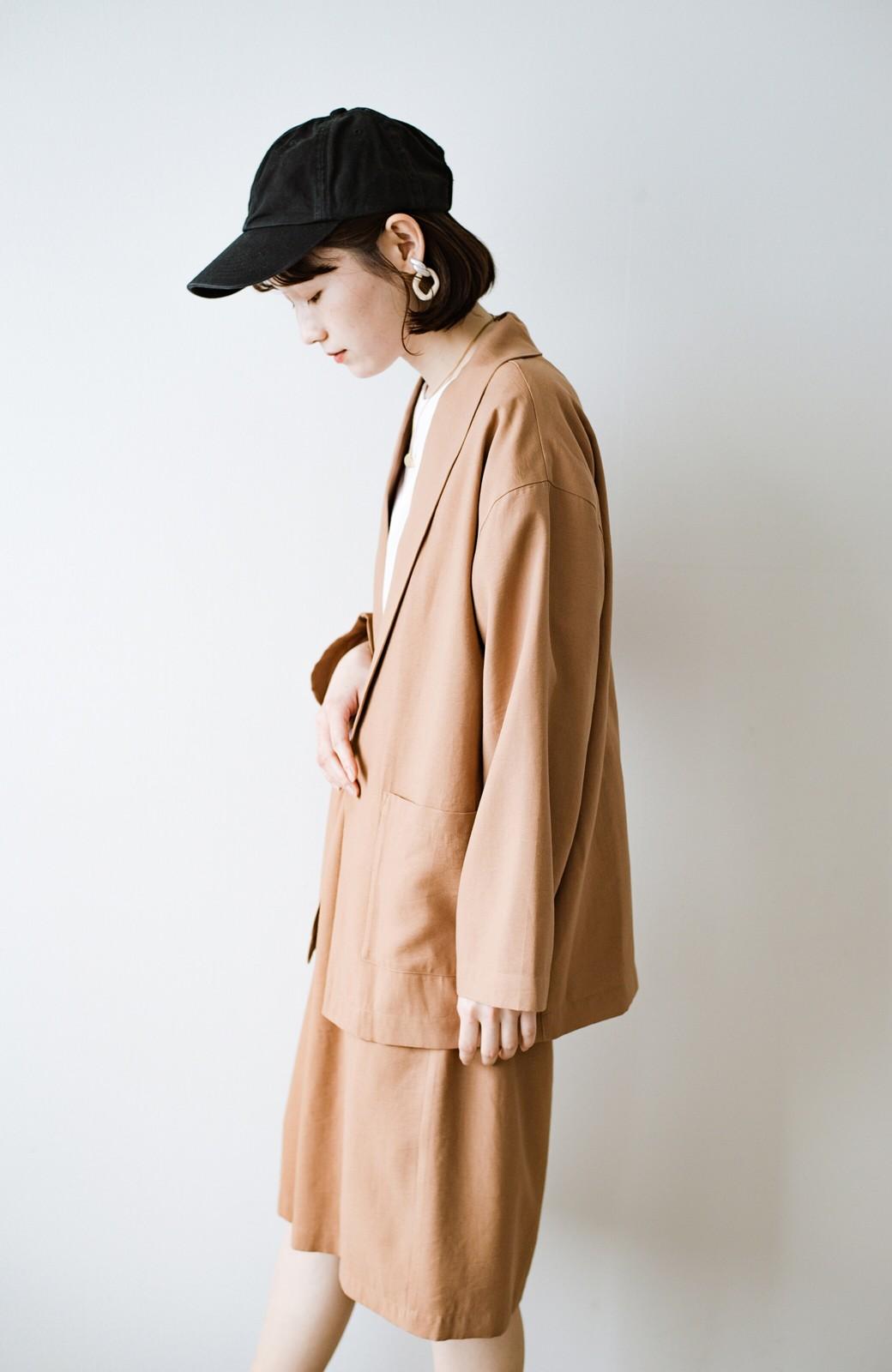 haco! さらりと羽織ってきれい見え カジュアルにも着られてほどよいきちんと感が頼りになるリラックスジャケット <キャメル>の商品写真18