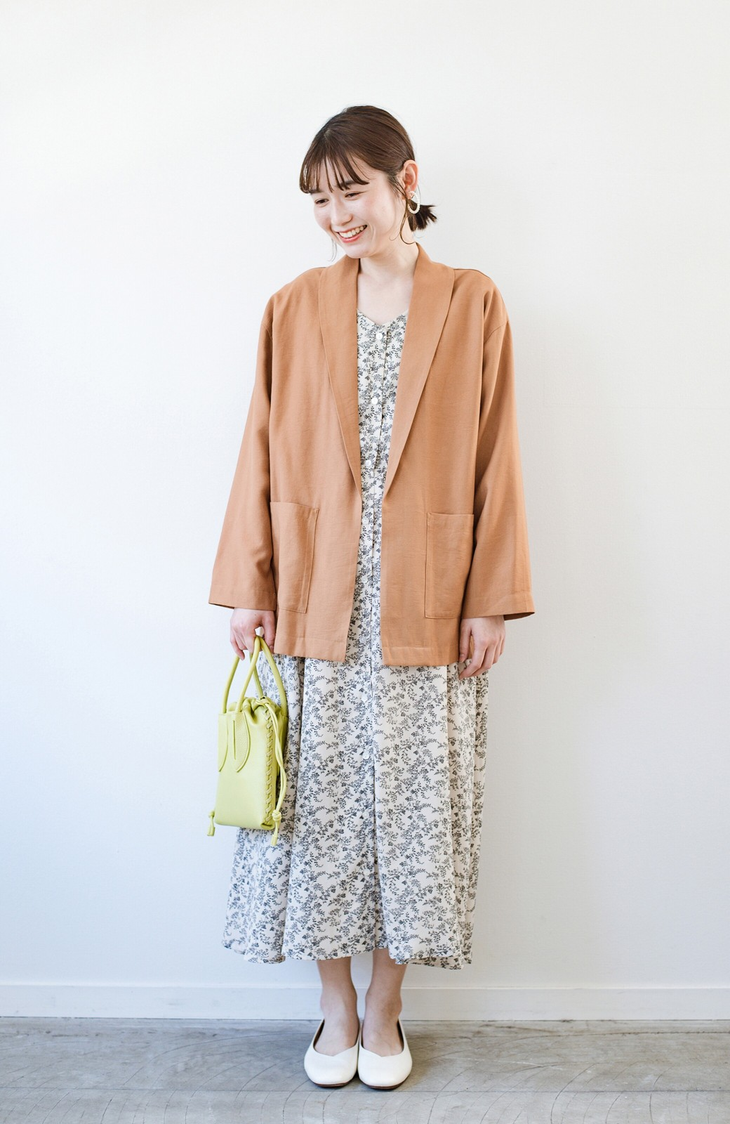 haco! さらりと羽織ってきれい見え カジュアルにも着られてほどよいきちんと感が頼りになるリラックスジャケット <キャメル>の商品写真11