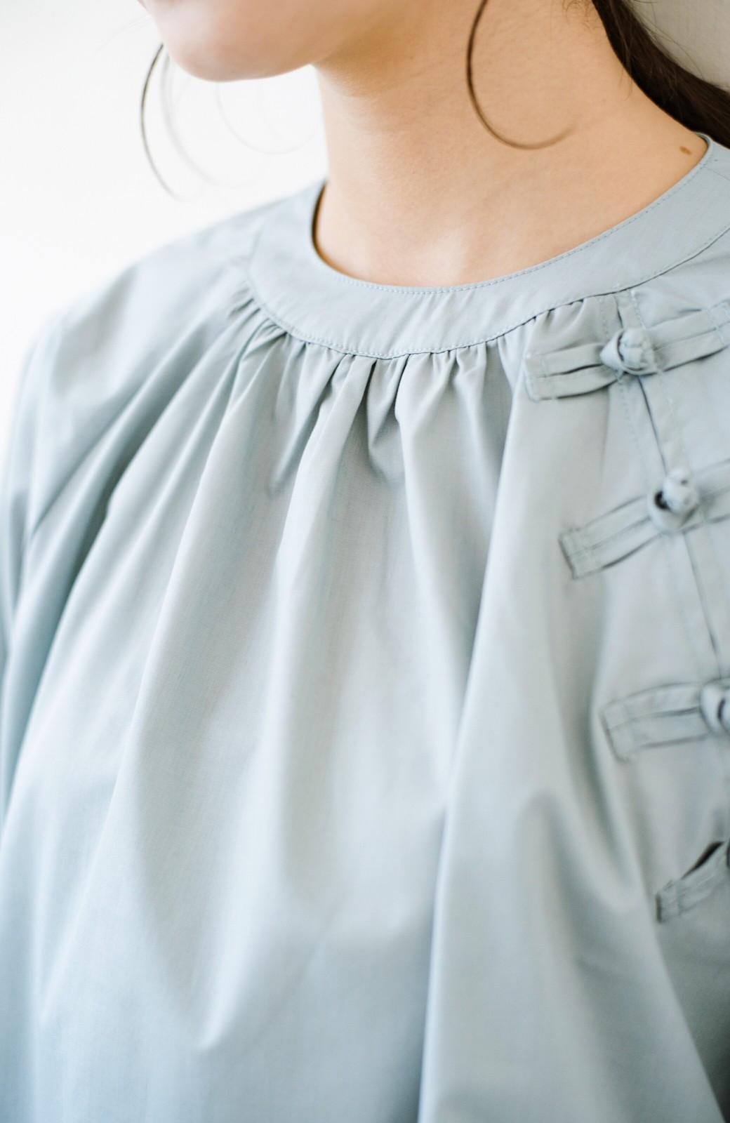 haco! パッと着るだけで新鮮&おしゃれ見え!ゆるめサイズが今っぽいチャイナボタンブラウス <ミント>の商品写真3