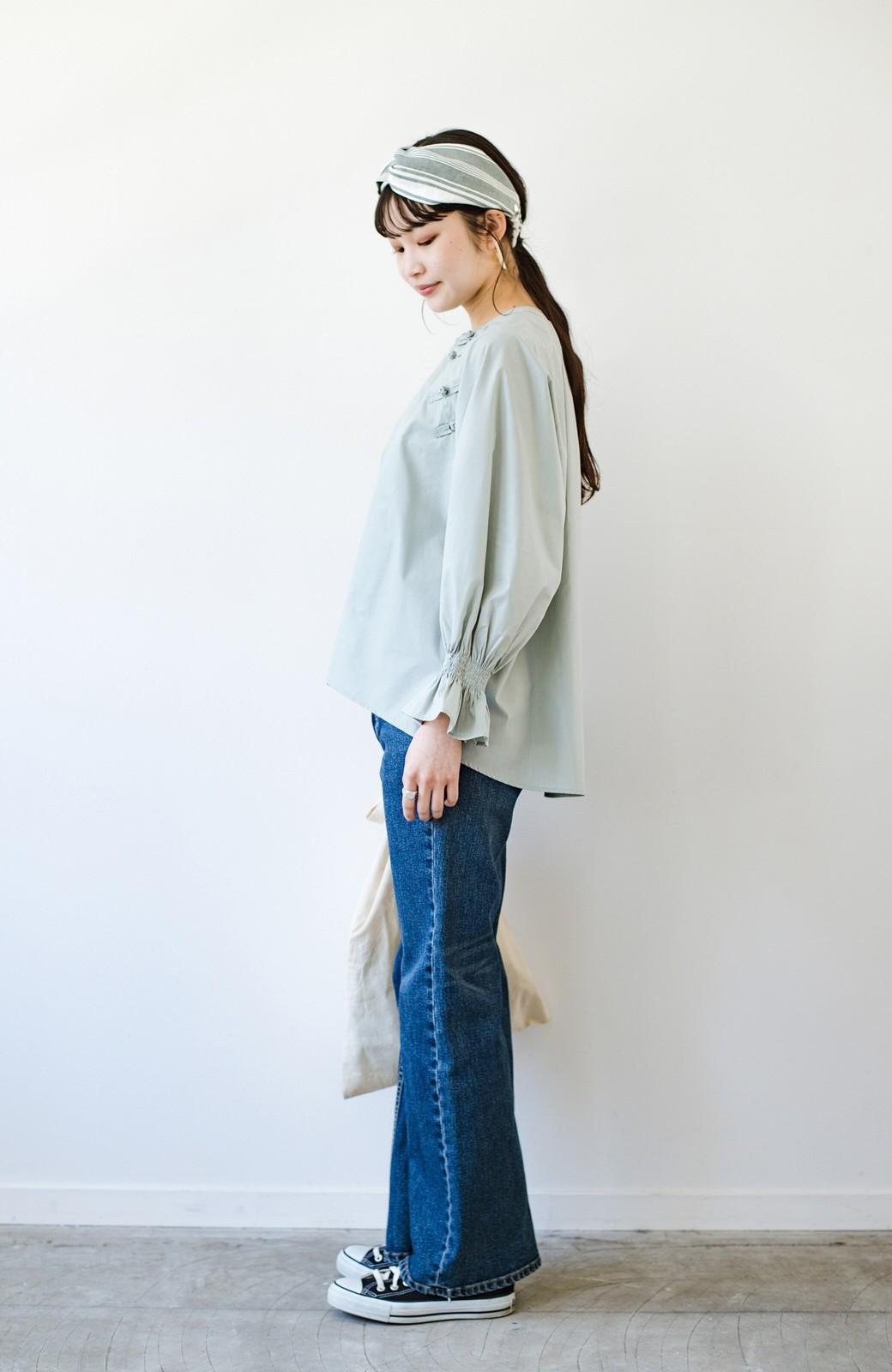 haco! パッと着るだけで新鮮&おしゃれ見え!ゆるめサイズが今っぽいチャイナボタンブラウス <ミント>の商品写真17