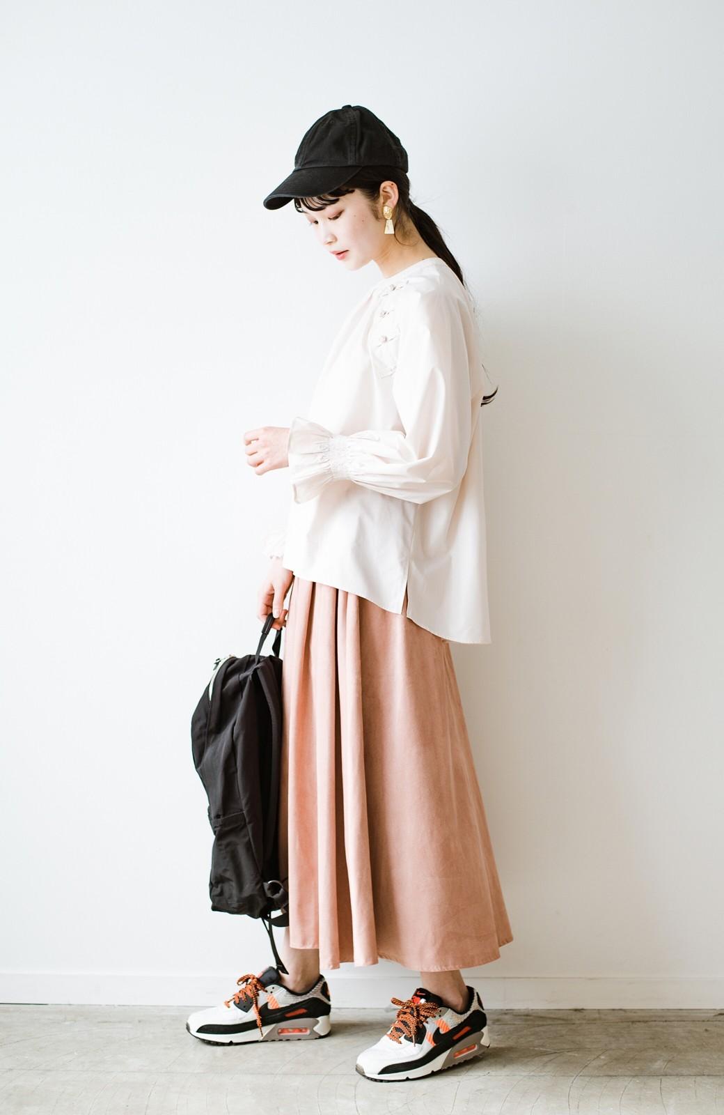 haco! パッと着るだけで新鮮&おしゃれ見え!ゆるめサイズが今っぽいチャイナボタンブラウス <ライトベージュ>の商品写真12