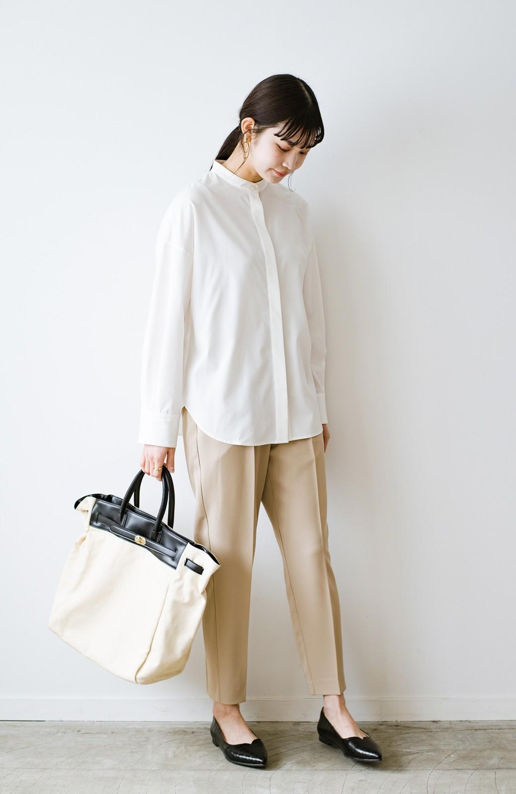 haco! 【防水】普段もお仕事も雨の日も!さっと履いて女っぽい Vカットが足をきれいに見せてくれるフラットパンプス <ブラック>の商品写真12