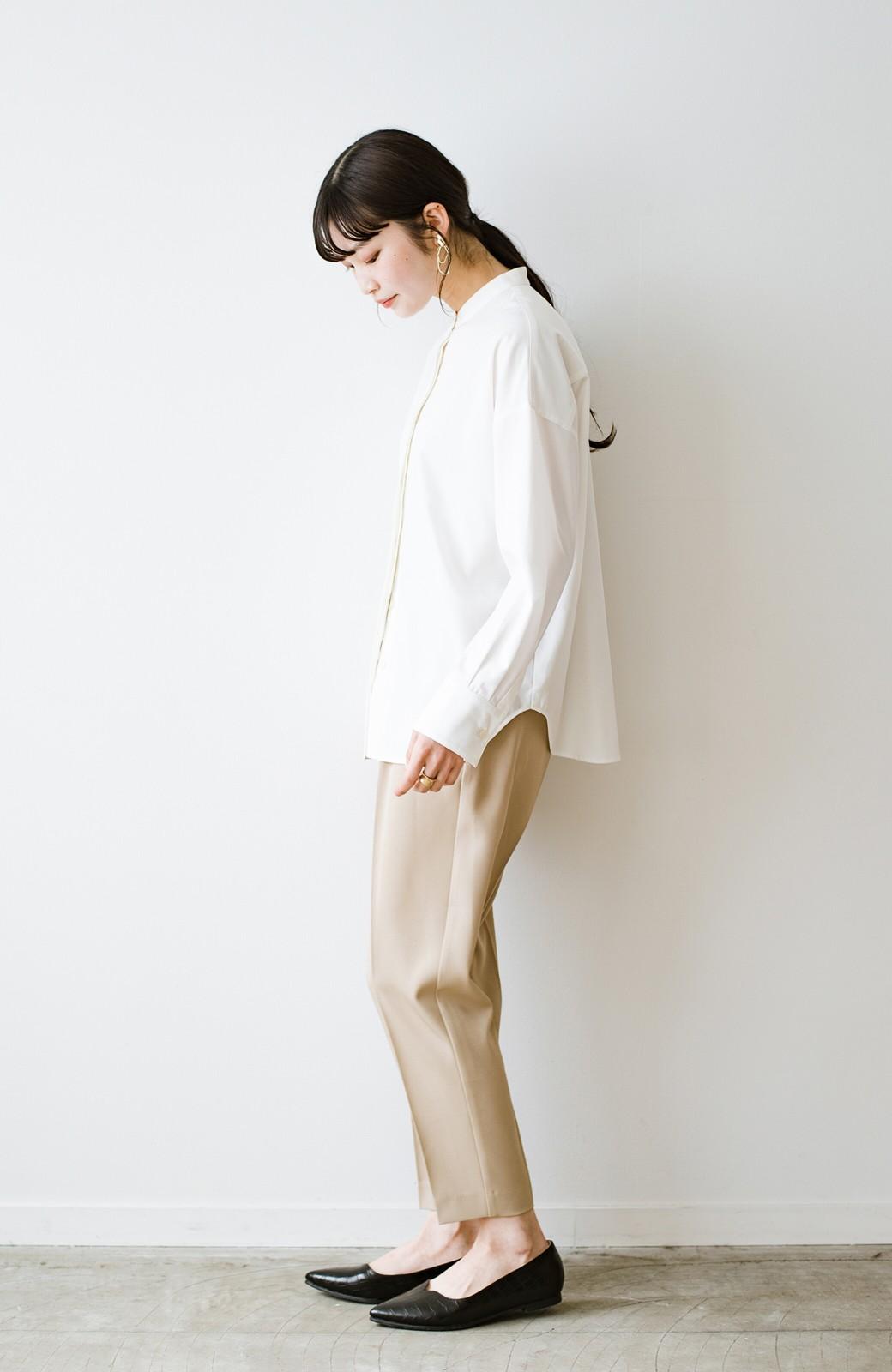 haco! 【防水】普段もお仕事も雨の日も!さっと履いて女っぽい Vカットが足をきれいに見せてくれるフラットパンプス <ブラック>の商品写真14