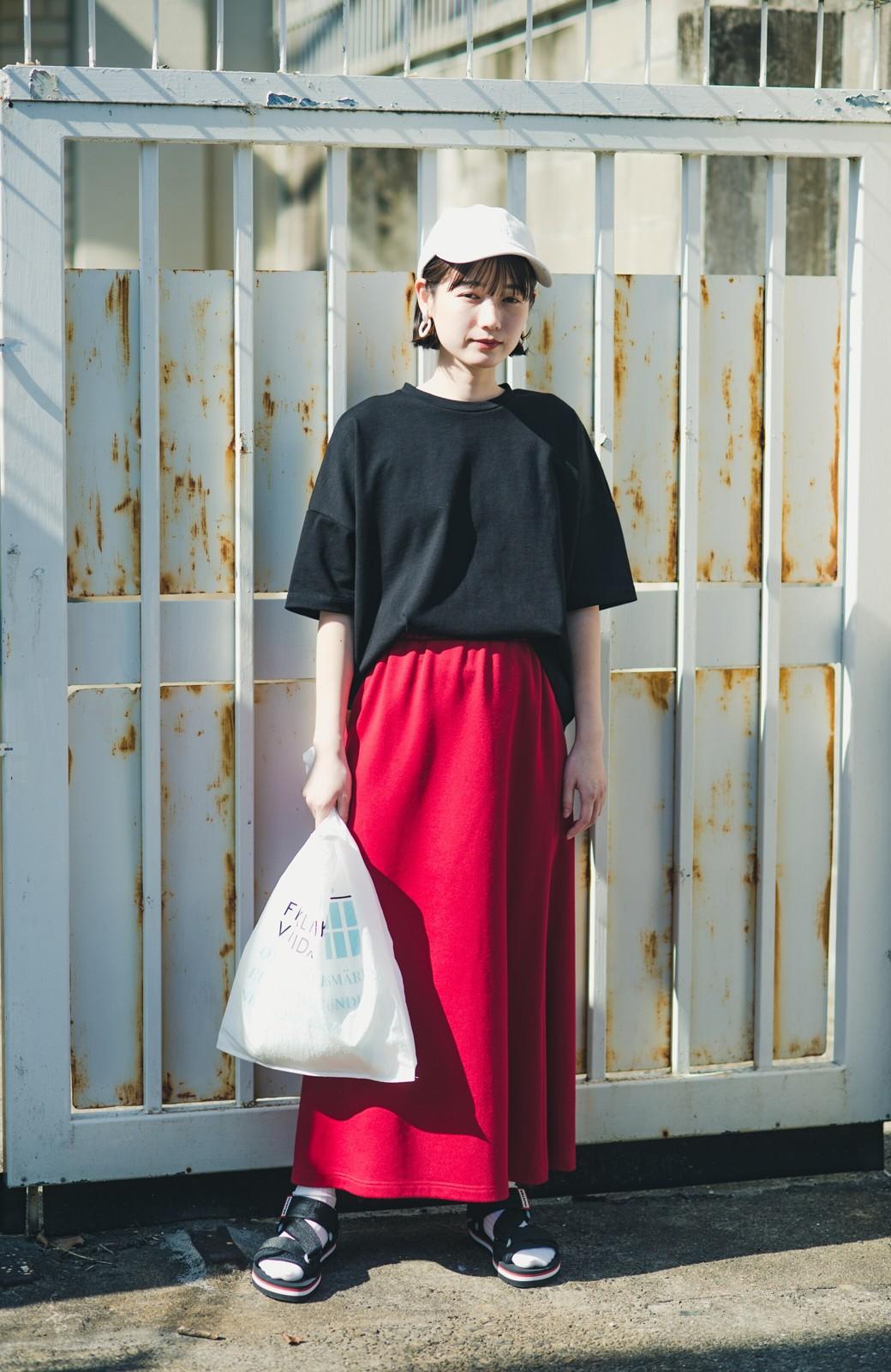 haco! 【洗濯機洗い可】日々に彩りをプラス!おしゃれ度と気分を上げてくれる綺麗色スカート <レッド>の商品写真4
