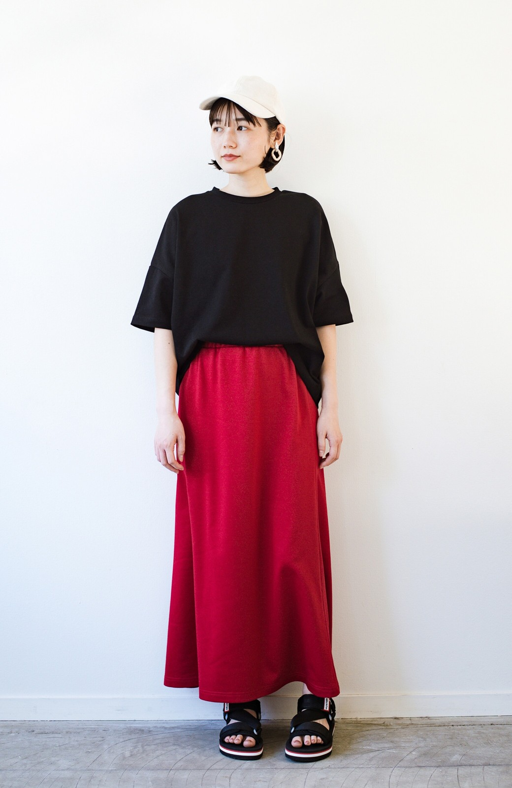 haco! 【洗濯機洗い可】日々に彩りをプラス!おしゃれ度と気分を上げてくれる綺麗色スカート <レッド>の商品写真13