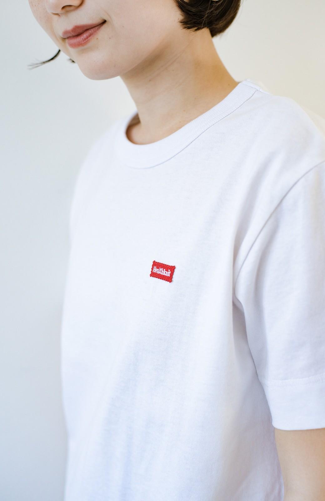 haco! さりげないロゴがコーデのポイントになるファンクションファブリックジャージークルーネックTシャツ by Healthknit <ホワイト>の商品写真3