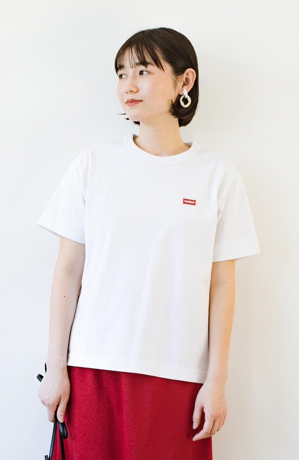 haco! さりげないロゴがコーデのポイントになるファンクションファブリックジャージークルーネックTシャツ by Healthknit <ホワイト>の商品写真1
